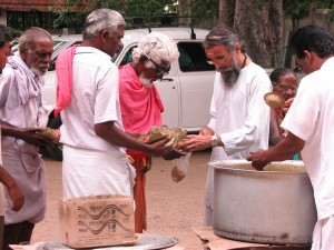 feeding_the_poor_narayana_seva